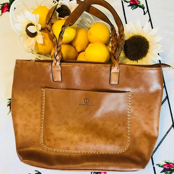 c5dc2cb308 Weimeibaige Authentic Camel Leather Tote. M 5b7f87f01b16db9e51fbd1e0